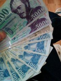 różne waluty